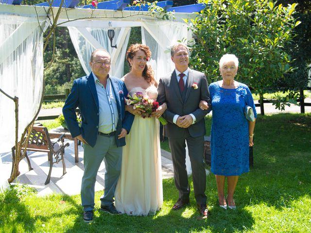 La boda de Amaia y Merino en Elgoibar, Guipúzcoa 156