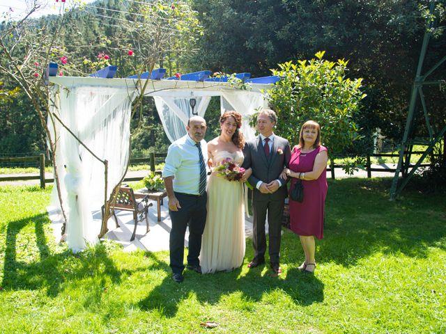 La boda de Amaia y Merino en Elgoibar, Guipúzcoa 158