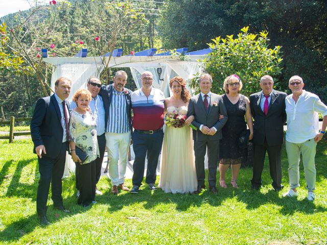 La boda de Amaia y Merino en Elgoibar, Guipúzcoa 180