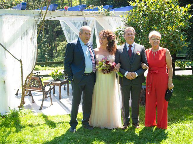 La boda de Amaia y Merino en Elgoibar, Guipúzcoa 181