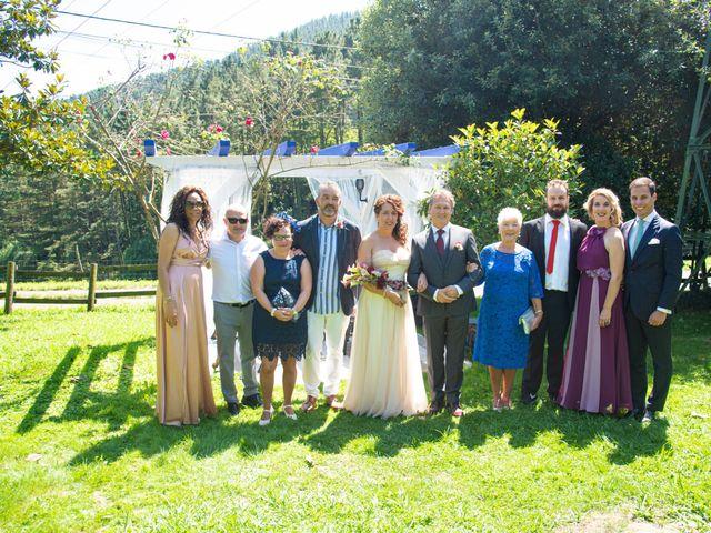 La boda de Amaia y Merino en Elgoibar, Guipúzcoa 189