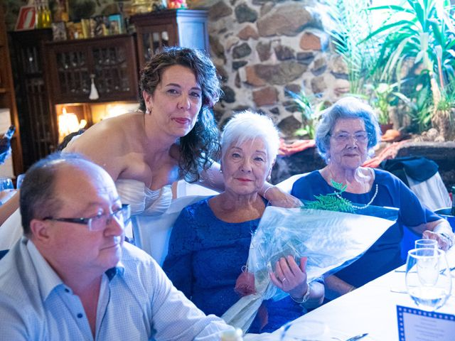 La boda de Amaia y Merino en Elgoibar, Guipúzcoa 223