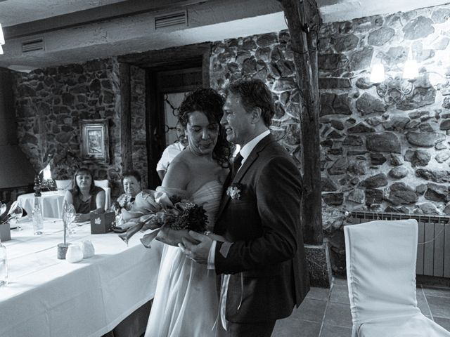 La boda de Amaia y Merino en Elgoibar, Guipúzcoa 226