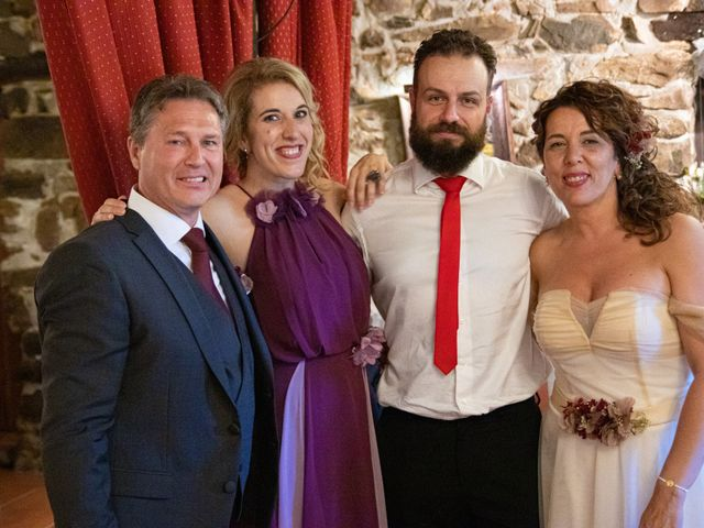 La boda de Amaia y Merino en Elgoibar, Guipúzcoa 235