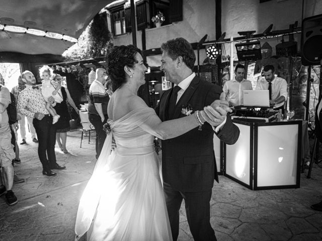 La boda de Amaia y Merino en Elgoibar, Guipúzcoa 245