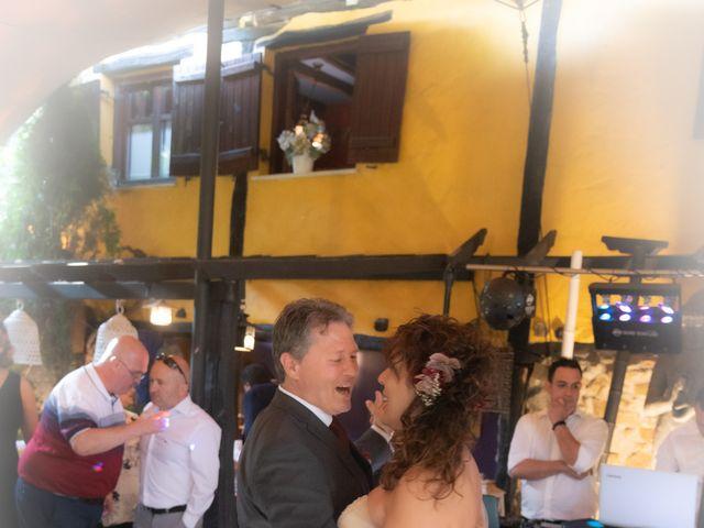 La boda de Amaia y Merino en Elgoibar, Guipúzcoa 248