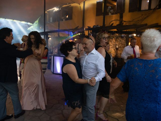 La boda de Amaia y Merino en Elgoibar, Guipúzcoa 292