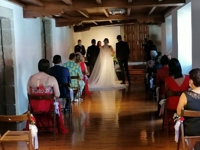 La boda de Alberto  y Fátima  en Ortigueira, A Coruña 9