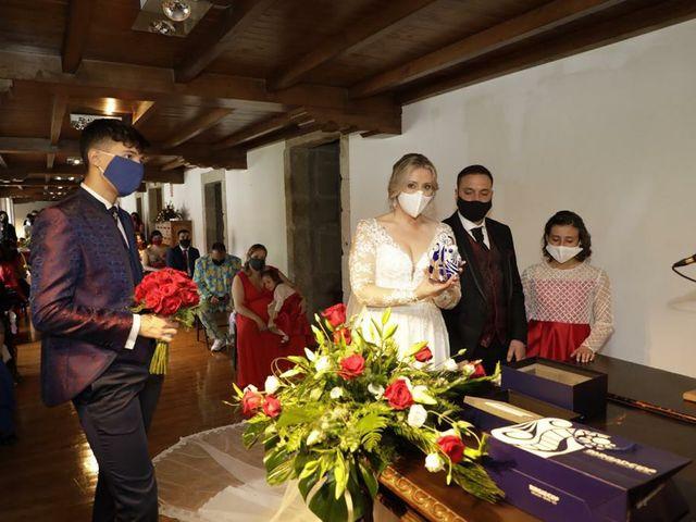 La boda de Alberto  y Fátima  en Ortigueira, A Coruña 10