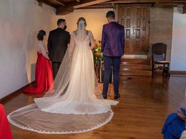 La boda de Alberto  y Fátima  en Ortigueira, A Coruña 16