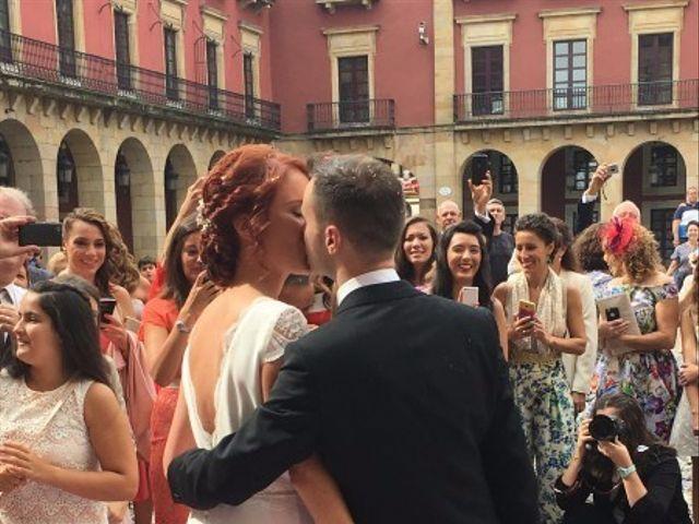 La boda de Simón y Cova en Gijón, Asturias 3