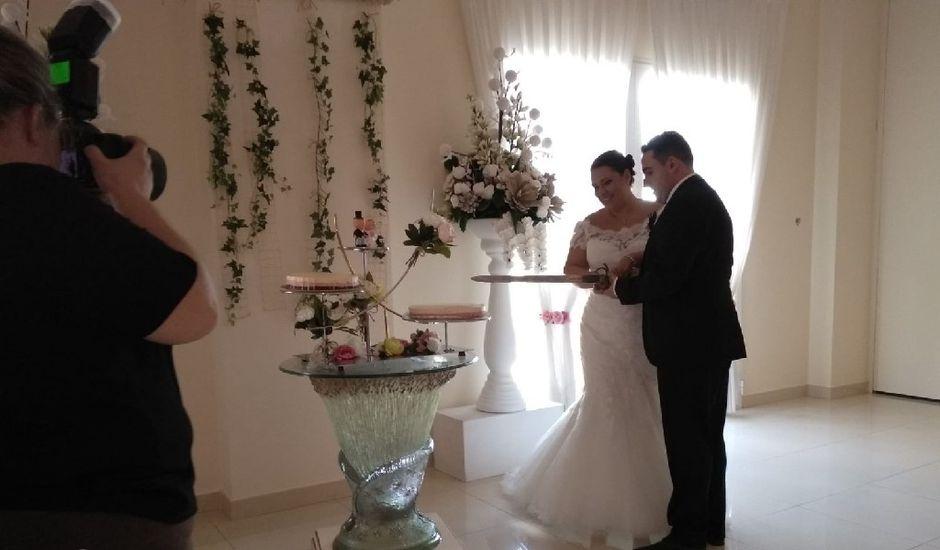 La boda de Juan y Cristina  en Ribarroja del Turia, Valencia