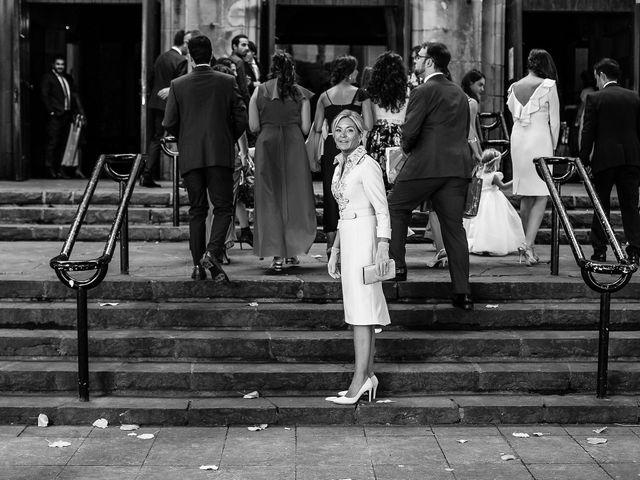La boda de Josu y Paola en Hondarribia, Guipúzcoa 13