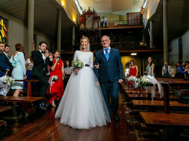 La boda de Josu y Paola en Hondarribia, Guipúzcoa 17