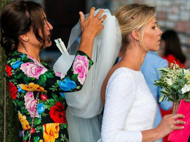 La boda de Josu y Paola en Hondarribia, Guipúzcoa 33