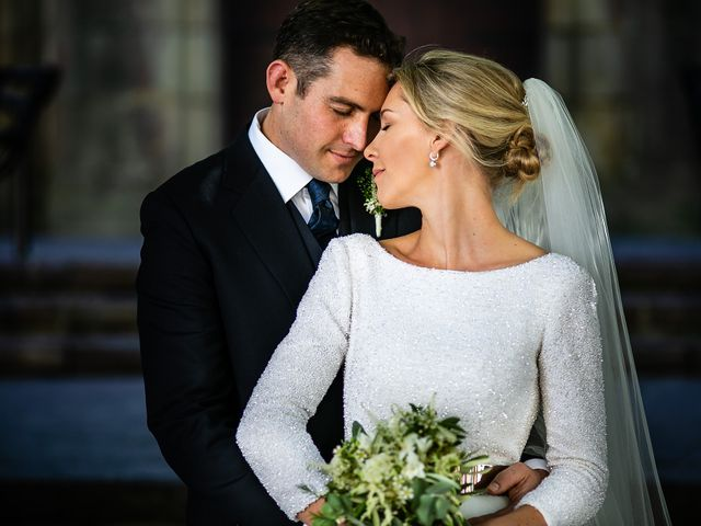 La boda de Josu y Paola en Hondarribia, Guipúzcoa 39