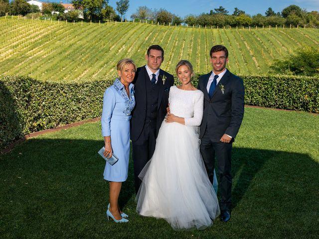 La boda de Josu y Paola en Hondarribia, Guipúzcoa 42