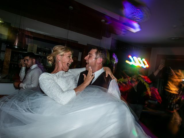 La boda de Josu y Paola en Hondarribia, Guipúzcoa 60