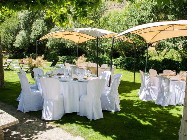 La boda de David y Veronica en Navacepedilla De Corneja, Ávila 16