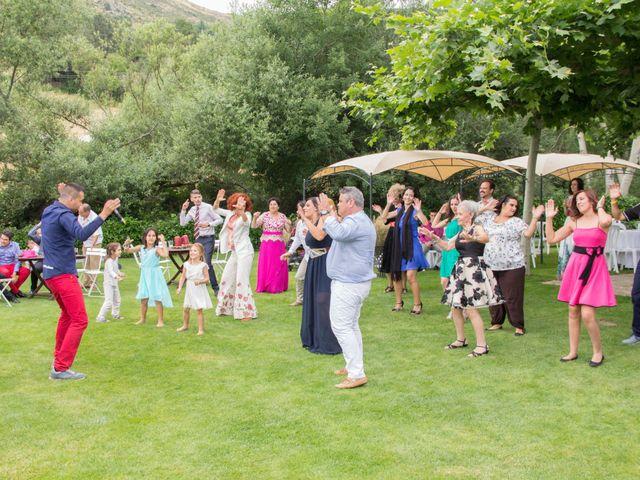La boda de David y Veronica en Navacepedilla De Corneja, Ávila 30