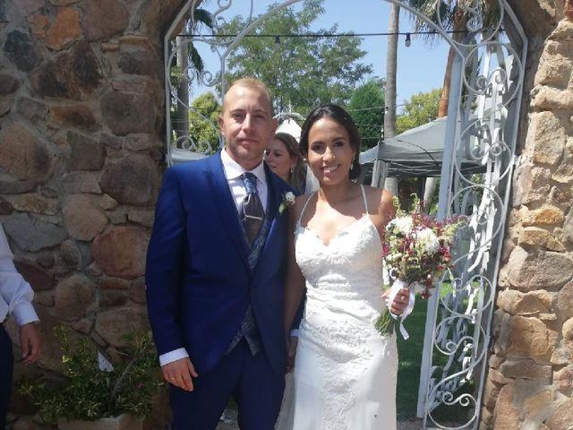 La boda de Cristian  y Fana en Badajoz, Badajoz 12