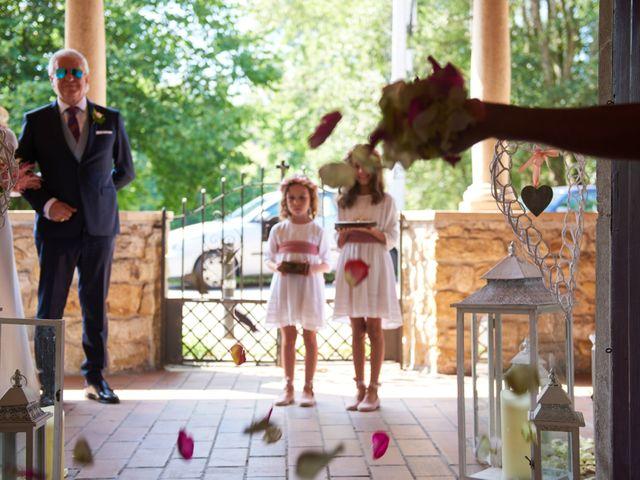 La boda de Thiago y Amelia en Gijón, Asturias 10