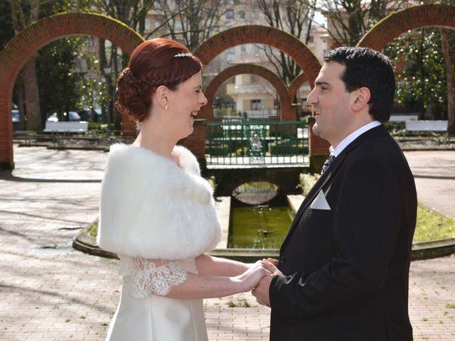 La boda de Asier y Lidia en Pamplona, Navarra 32