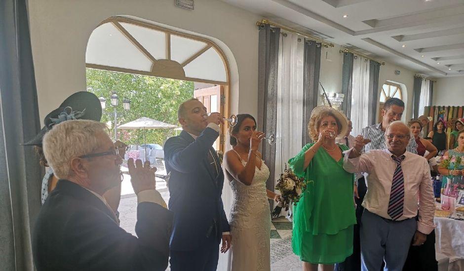 La boda de Cristian  y Fana en Badajoz, Badajoz