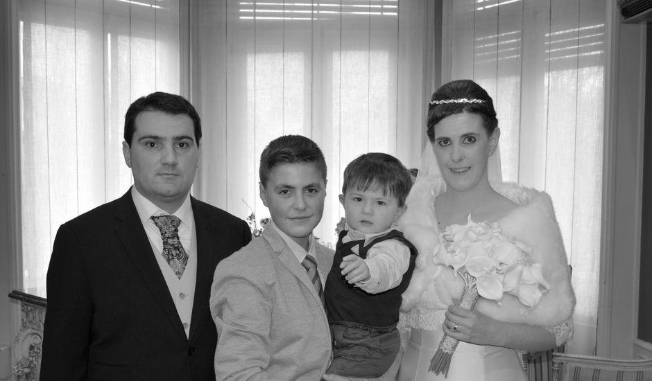 La boda de Asier y Lidia en Pamplona, Navarra