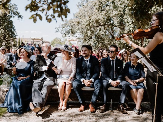 La boda de Juan y Sara en Torremocha Del Jarama, Madrid 40