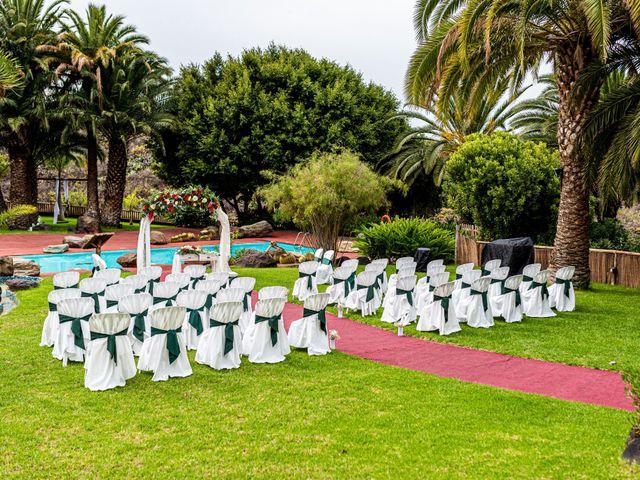 La boda de Lourdes y René en Galdar, Las Palmas 15