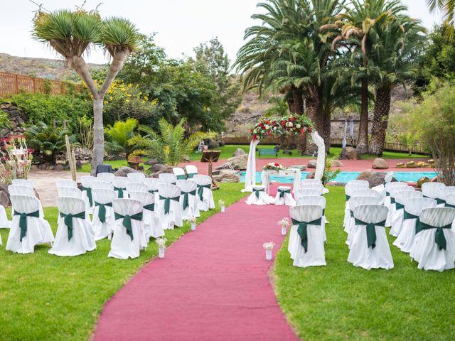 La boda de Lourdes y René en Galdar, Las Palmas 24