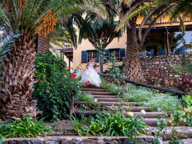 La boda de Lourdes y René en Galdar, Las Palmas 41