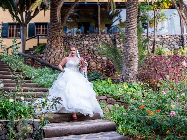 La boda de Lourdes y René en Galdar, Las Palmas 42