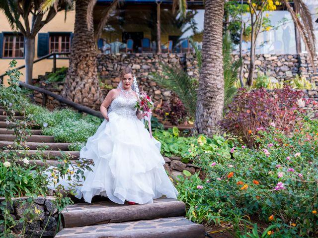 La boda de Lourdes y René en Galdar, Las Palmas 43