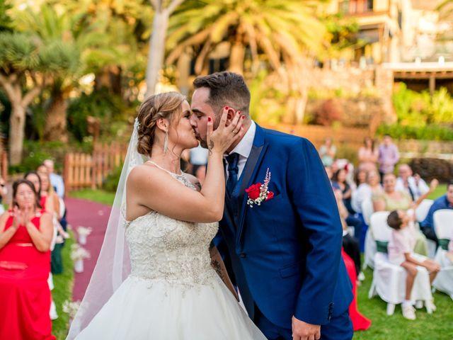 La boda de Lourdes y René en Galdar, Las Palmas 65