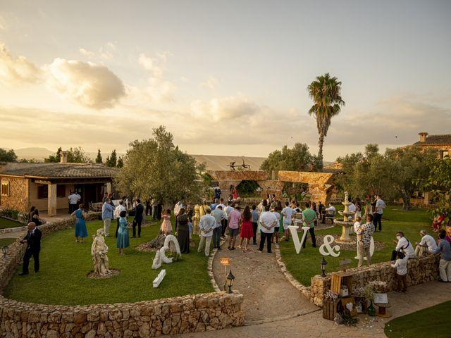 La boda de Víctor y Desireé en Campos, Islas Baleares 98