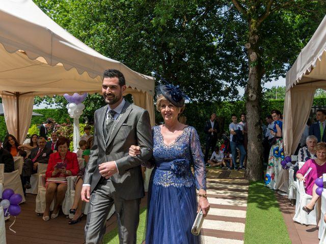 La boda de Joseba y Maialen en Santurtzi, Vizcaya 7
