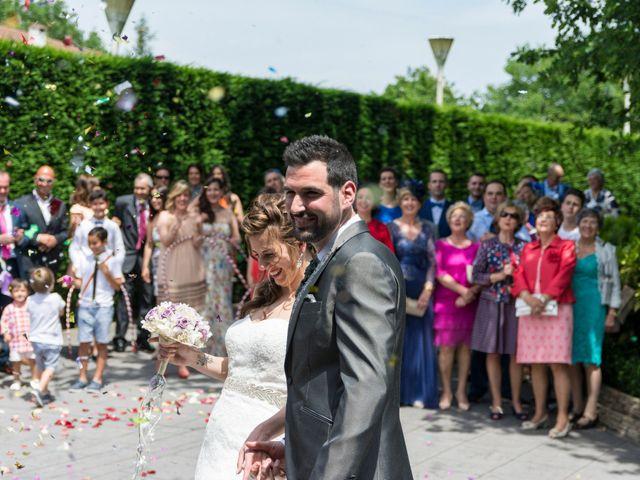 La boda de Joseba y Maialen en Santurtzi, Vizcaya 14