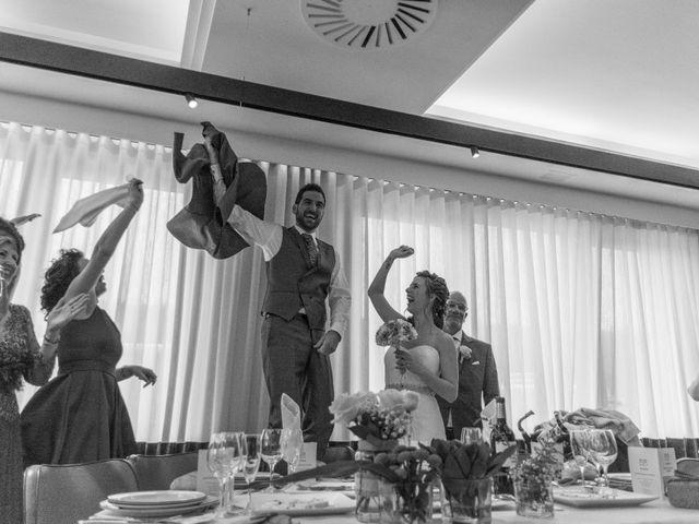 La boda de Joseba y Maialen en Santurtzi, Vizcaya 25