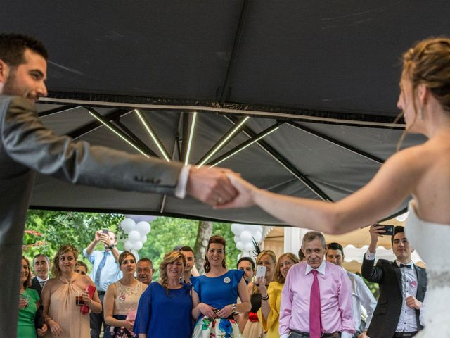 La boda de Joseba y Maialen en Santurtzi, Vizcaya 32