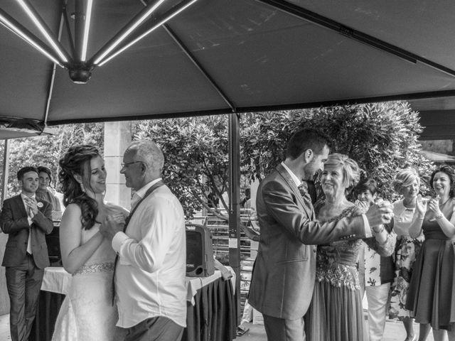 La boda de Joseba y Maialen en Santurtzi, Vizcaya 33