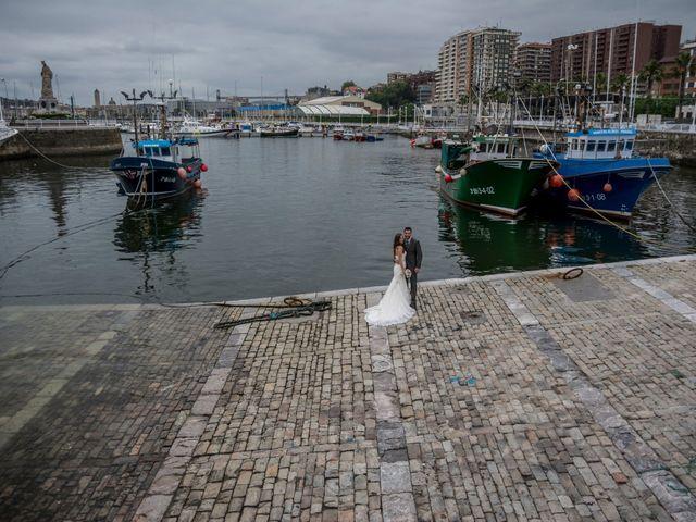 La boda de Joseba y Maialen en Santurtzi, Vizcaya 36