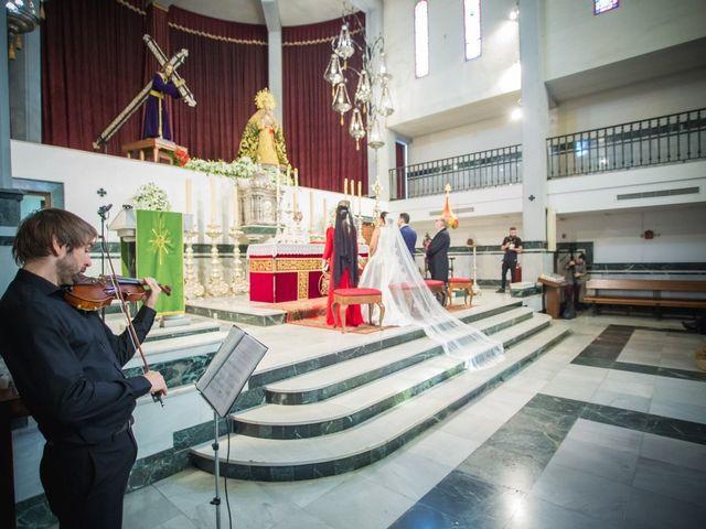 La boda de Miguel y Isabel en Málaga, Málaga 9