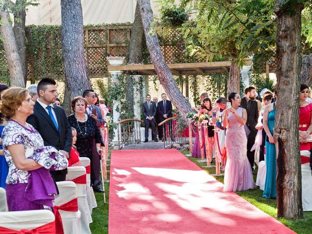 La boda de Adrián y Sara en Madrid, Madrid 24