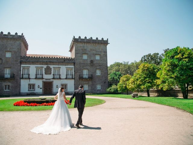 La boda de Felipe y Almudena en Vigo, Pontevedra 16