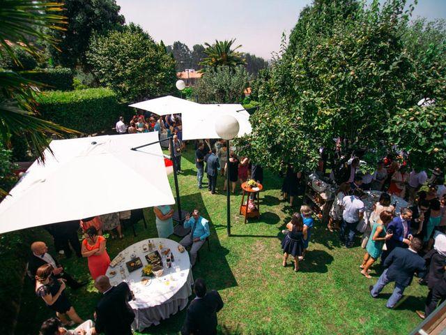 La boda de Felipe y Almudena en Vigo, Pontevedra 30