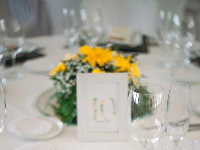 La boda de Felipe y Almudena en Vigo, Pontevedra 31