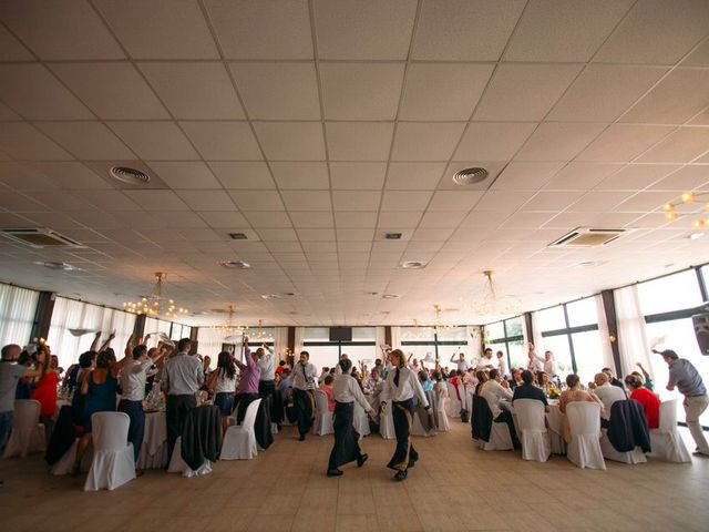 La boda de Felipe y Almudena en Vigo, Pontevedra 33