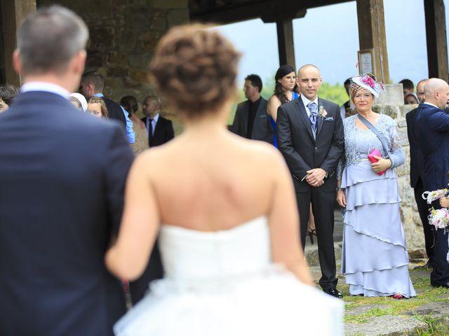 La boda de Javi y Garbiñe en Bakio, Vizcaya 6